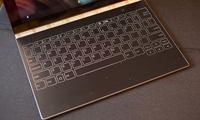 Lenovo 12 дюймли Yoga Book тайёрламоқда