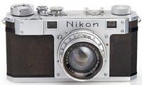 1948 йилда чиқарилган Nikon фотоаппарати 384 000 еврога сотилди