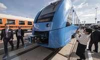 Немислар биринчи бўлишди: Германияда водород ёқилғиси билан ҳаракатланадиган поезд яратилди