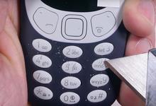 Nokia 3310 (2017) тиғ остида: корпус мустаҳкамлиги синаб кўрилди (видео)