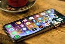 iPhone XS Max энди «дисплейлар қироли» эмас. Уни тахтдан ким ағдарди?