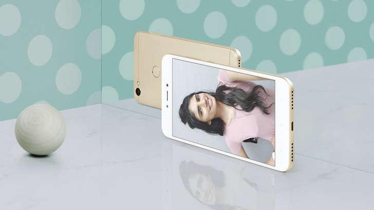 Xiaomi'нинг 135 долларлик селфифони Россияда сотувга чиқди