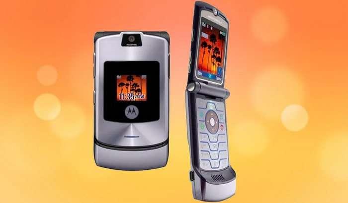 «Қайта туғилган» Motorola RAZR V3 буклама экранли бўлади!