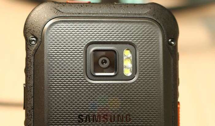 Samsung ўта мустаҳкам смартфон яратди (+видео ва суратлар)