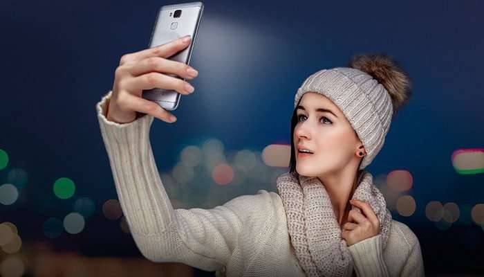 Android-смартфоннинг олд камерасига виртуал фоточақноқ қўшамиз
