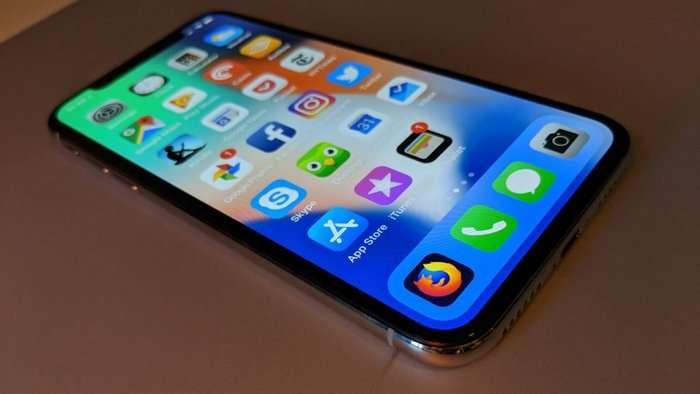 Original iPhone X displeyining qalbakisidan farqlari (+video)
