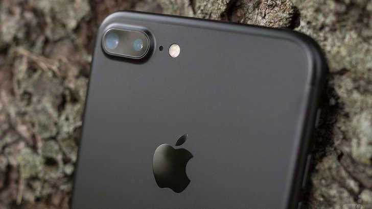 iPhone 8 савдосини яхшилаш учун Apple муҳим қарор қабул қилди