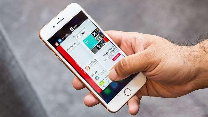 iPhone X'ни кутмасдан