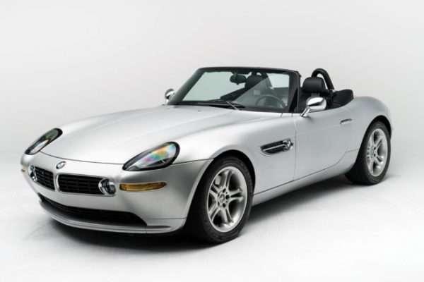 Стив Жобс фойдаланган BMW Z8 аукционга қўйилади