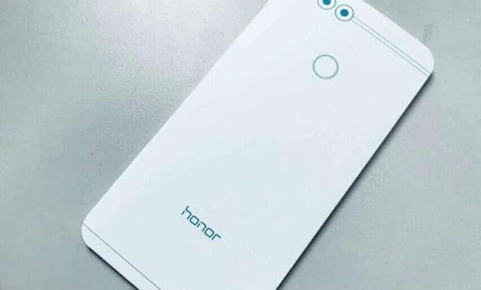Тақдимотдан 2 кун олдин Huawei Honor 7X хусусиятлари ошкор бўлди