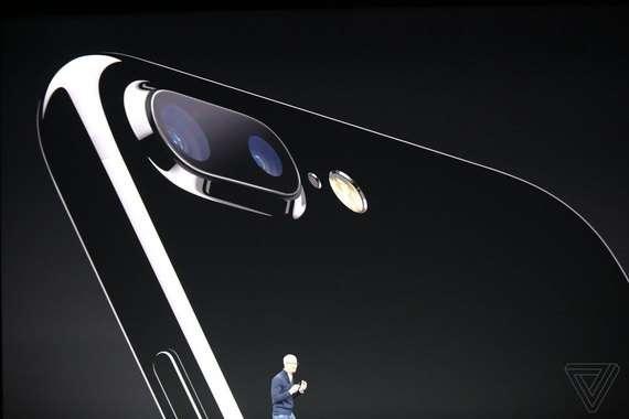 Узоқ кутилган iPhone 8 тақдим қилинди!