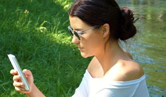 ФАХ смартфонларни Россиянинг иловалари билан таъминлашни талаб қилмоқда