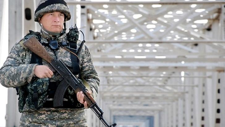 Ўзбек чегарачилари 900 миллион сўмлик контрабанда мобил телефонларини қўлга олишди