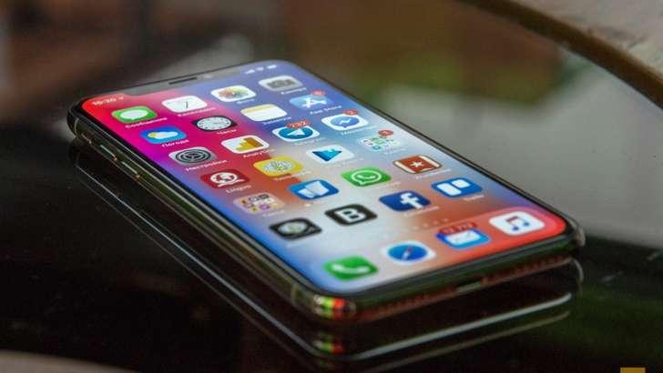 iPhone X'ни йиғишда ўқувчилардан фойдаланилган