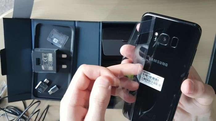 «Малика»да Samsung смартфонларининг сўмдаги нархлари (2018 йил 12 январь)