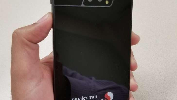 Qualcomm ходими илк 5G смартфон суратини тарқатиб юборди