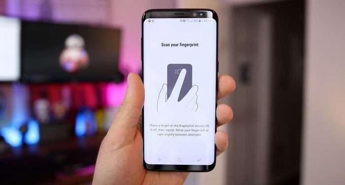Samsung паролларни тиклашнинг доҳиёна усулини топди: кафт сканерини қарши оламиз!