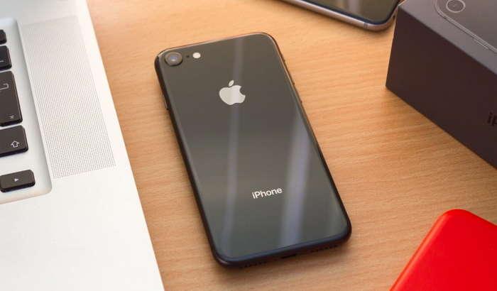 ДЕЯРЛИ РАСМАН: iPhone SE 2 тақдимотга тайёр, тағин арзон нархда чиқади!