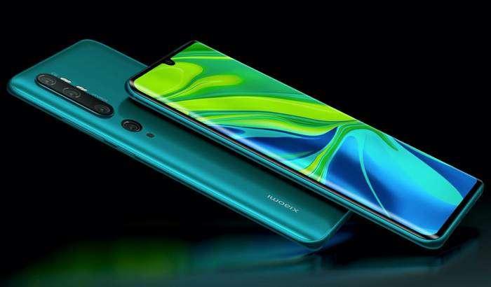 Xiaomi топ-менежери билмасдан Mi 10 нархи ва тақдимот вақтини «сотиб қўйди»! (+«жонли» сурат)