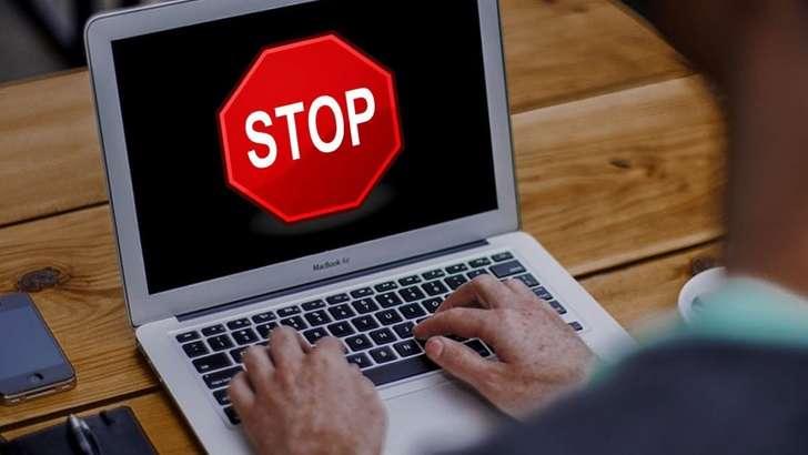 Алламжонов: Сайтларни блоклашдан фойда йўқ