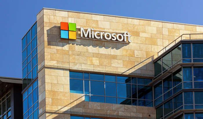 Microsoft kishilarni yangi Windows'ga o'tishga majburlashning antiqa yo'lini topdi