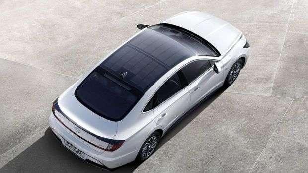 Hyundai қуёш панелли автомобиль ишлаб чиқарди
