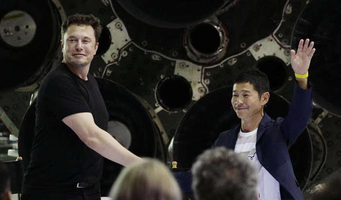 Япон миллиардери SpaceX фазо кемасида Ойга бирга учиш учун қиз қидиряпти