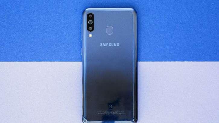 Яна учта Samsung смартфони хусусиятлари ҳақида хабар тарқалди