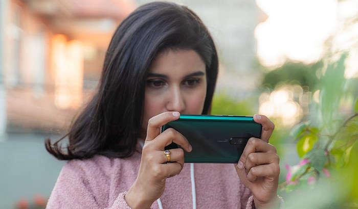 Энг оммабоп Redmi смартфони «ғиштга айланиб» қоляпти, Xiaomi эса жим!