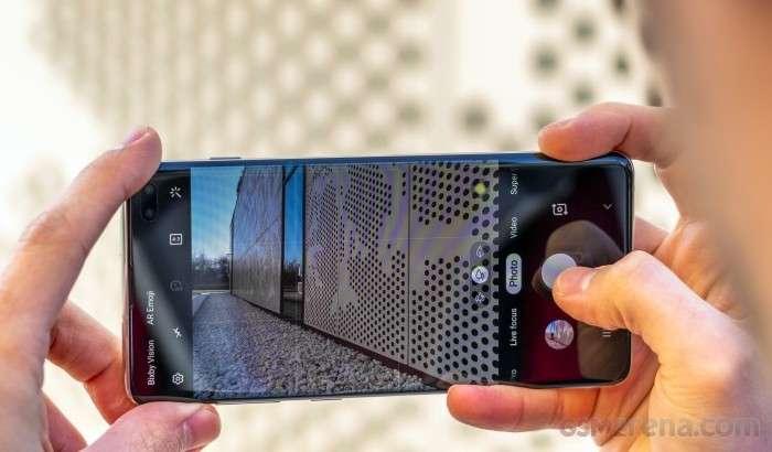 64 мегапикселлик камерали илк смартфонни Samsung чиқармоқчи эди, лекин...