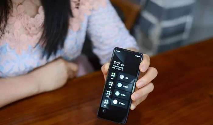 Xiaomi dunyodagi eng antiqa smartfonni sota boshladi – atigi 69 dollardan! (+«jonli» video)