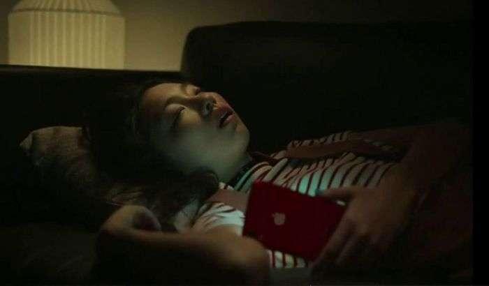 Видео: Apple рекламада iPhone XR'нинг рекордчи жиҳатини айтиб мақтанди