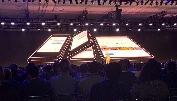 УЗОҚ КУТИЛГАН ВИДЕО: Ниҳоят, Samsung қайишқоқ экранли буклама смартфонини намойиш этди!