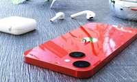 iPhone 13 mini илк «жонли» суратда: уни iPhone 12 mini билан таққослаб ҳам кўрсатишди!