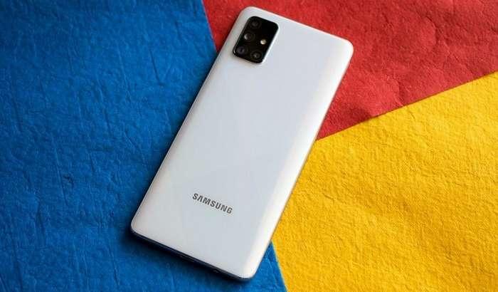 Galaxy A72 – пентакамерали илк Samsung смартфони