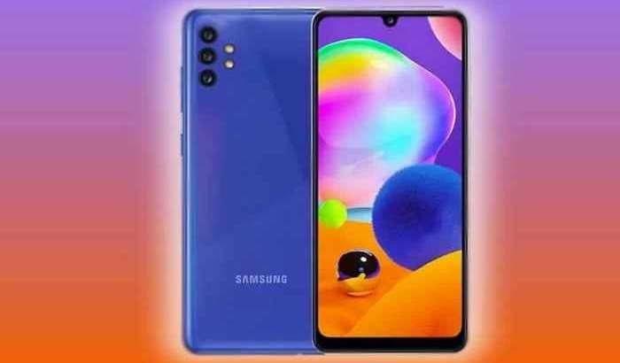 Samsung'нинг энг арзон 5G-смартфонини ҳар томонлама томоша қиламиз