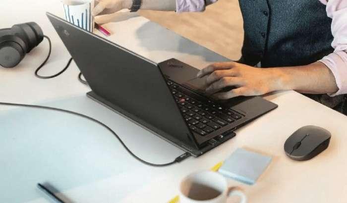 Lenovo ноутбуклар учун симсиз қувватлагич тақдим этди