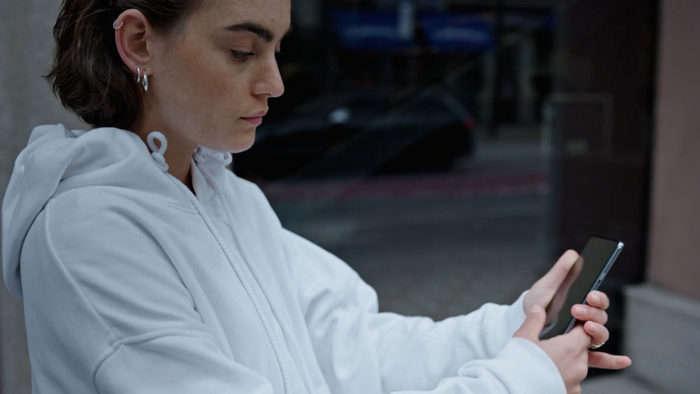 OnePlus hali taqdim etmagan arzon smartfon do'konga chiqdi: rasmiy video va suratlar!