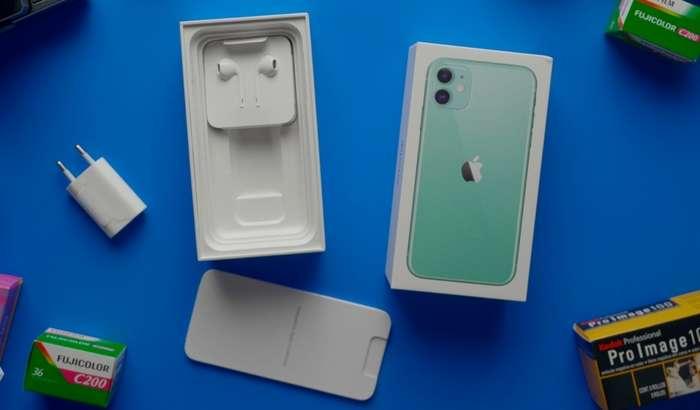 Apple'нинг зиқналиги авжига чиқди: у iPhone қадоғидан муҳим аксессуарни олиб ташлаяпти!