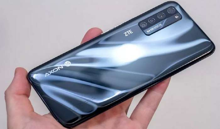 «Кўринмас» селфи-камерали смартфон ўзини оқламади