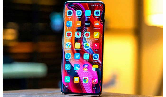 Redmi K40 қайси жиҳати билан Xiaomi Mi 11'дан ҳам илгарилаб кетяпти?