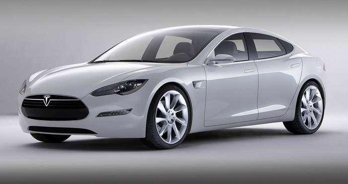 Tesla avtopiloti kamikadzelik qilib, salondagi ikki kishini ham yondirib o'ldirdi