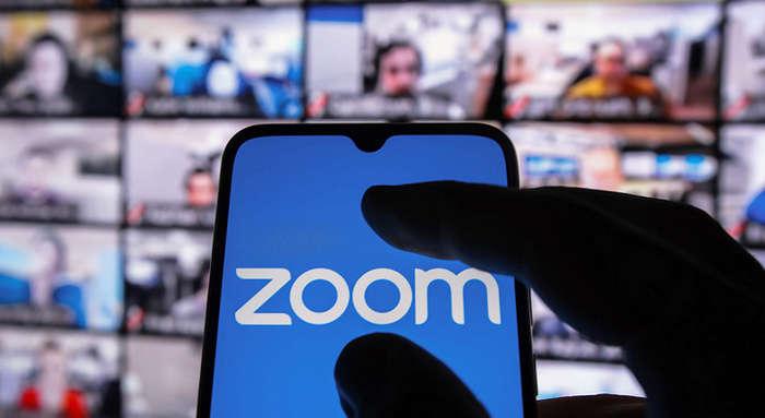 Zoom тарихдаги барча рекордларни «синдириб», биринчи ўринга чиқиб олди!