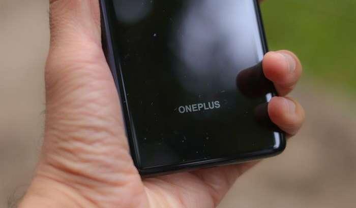OnePlus Nord – компания раҳбари iPhone SE 2020 кушандаси бўлган энг арзон смартфонини видеода кўрсатди!
