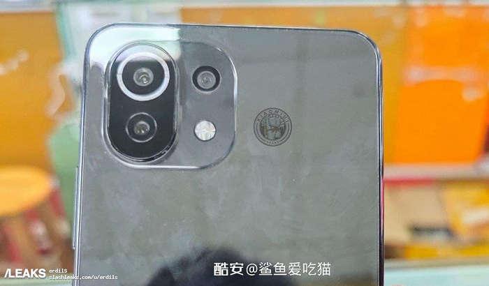 Арзон флагман – Xiaomi Mi 11 Lite'ни илк бор «жонли» томоша қиламиз!