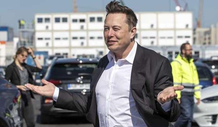 Tesla ҳали ишлаб чиқарилмаган электрокарларини ҳам аллақачон сотиб тугатди!