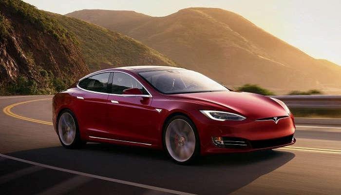 Tesla флагман хетчбеки бир ҳафтада нақ 5500 долларга арзонлашди!