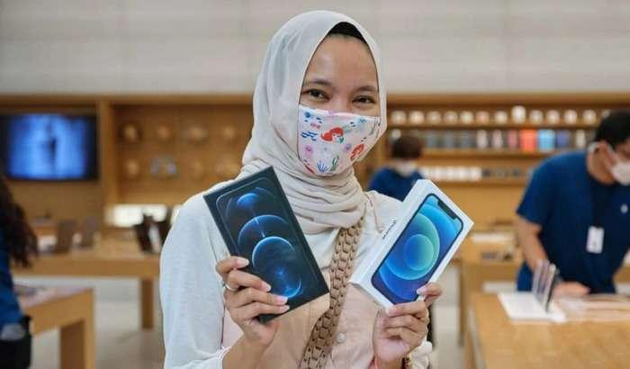 Android-smartfon ishlab chiqaruvchining RASMIY do'konida iPhone 12'lar YaRIM NARXIDA sotilyapti!
