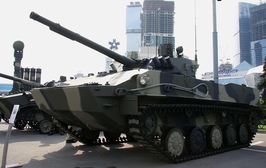 МВСВ-2008даги БМД-4 – Мудофаа вазирлигининг экспозицияси.